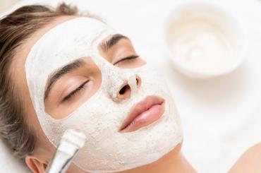 La importancia de una buena limpieza facial